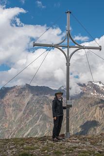 Am Gipfelkreuz Tascheljöchl, 2772 m, Grawand im Hintergrund