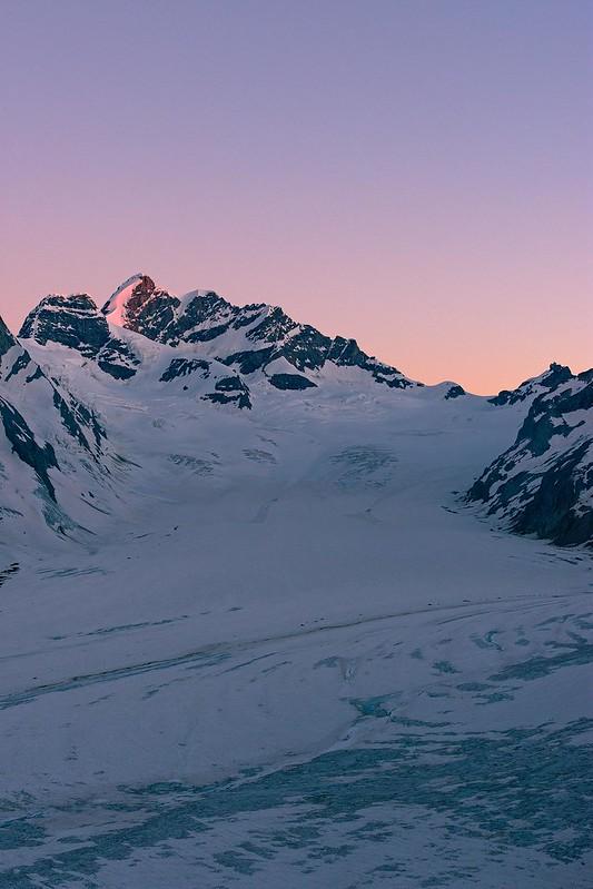 First light at the Jungfrau - Konkordiahütte