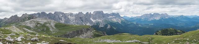 Panorama Schlernplateau, Rosszähne, Rosengarten, Latemar