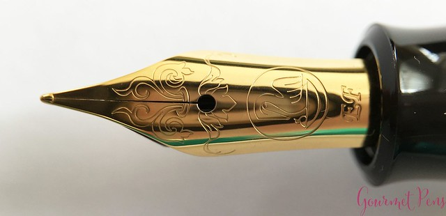 Review Pelikan M120 Green & Black Fountain Pen @couronneducomte 10