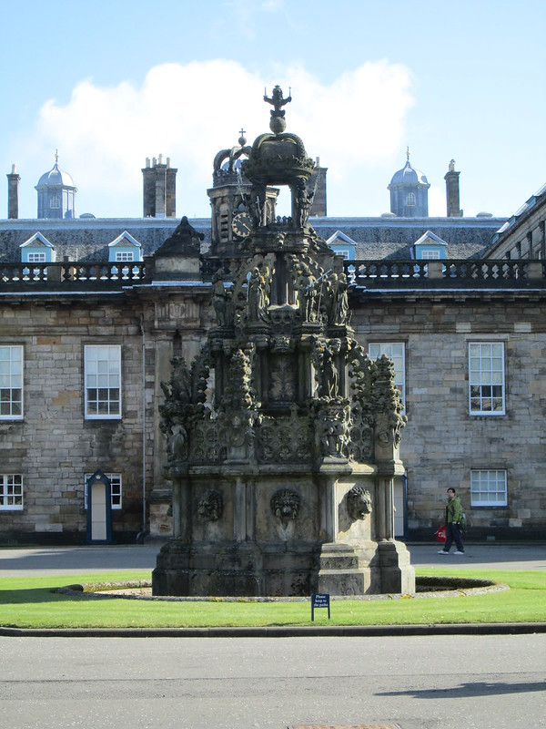 Holyroodhouse Palace Fountain