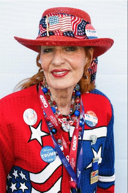 16g24 Martin Parr Delegada Trisha Bowler Donald Trump Convención Republicana Cleveland-Ohio