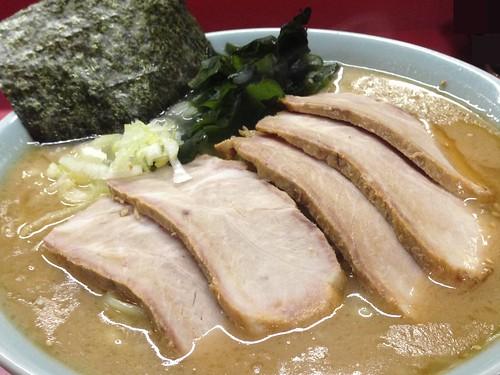 shizuoka-numazu-iekei-ramen-numazuya-char-siu-ramen01