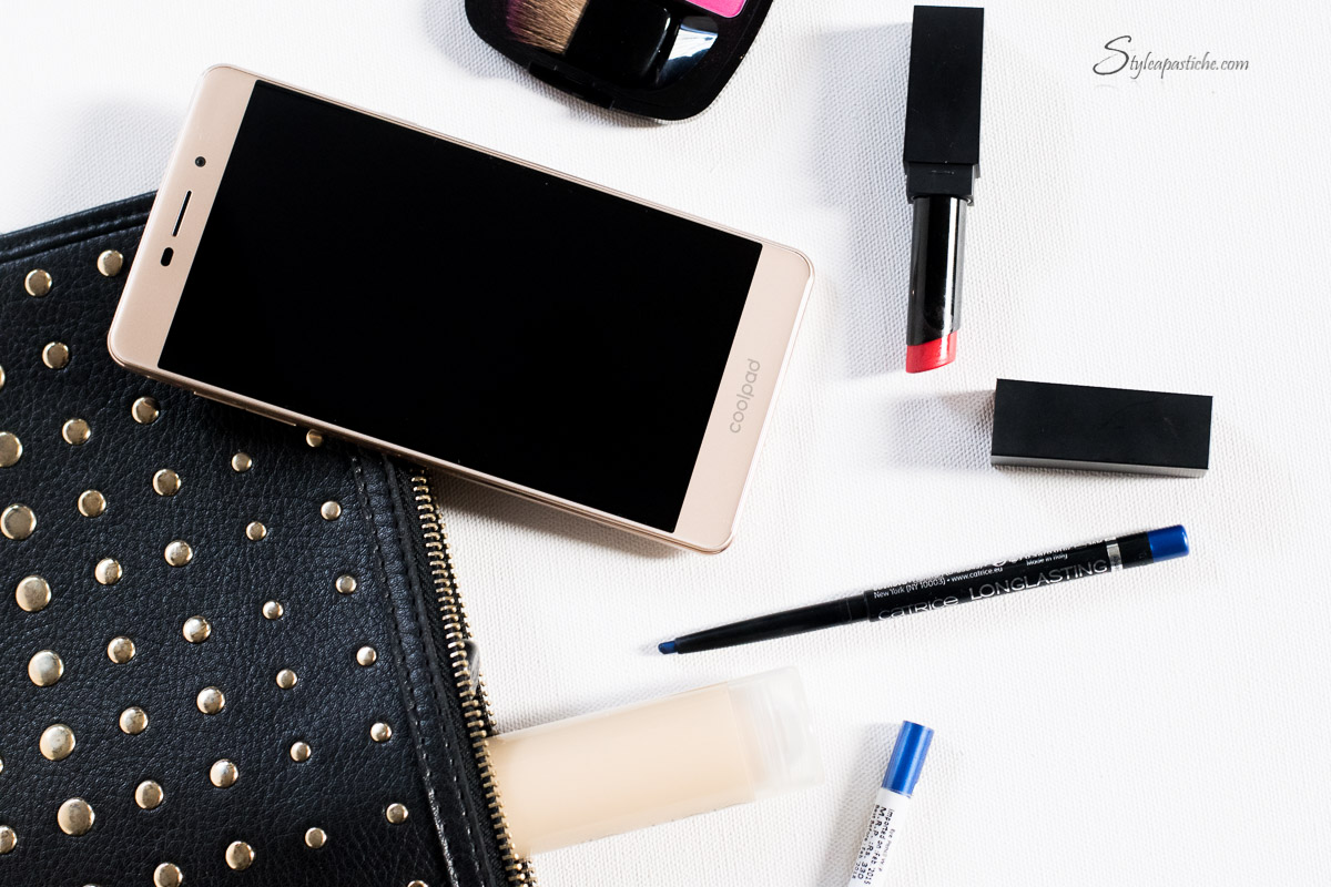1-Indian-fashion-beauty-lifestyle-blogger-styleapastiche-whats-in-my-beauty-bag-coolpad-mega25d-smartphone-review