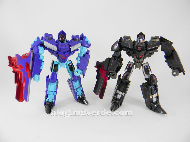 Transformers Dreadwing Deluxe - Generations - modo robot vs Megatron