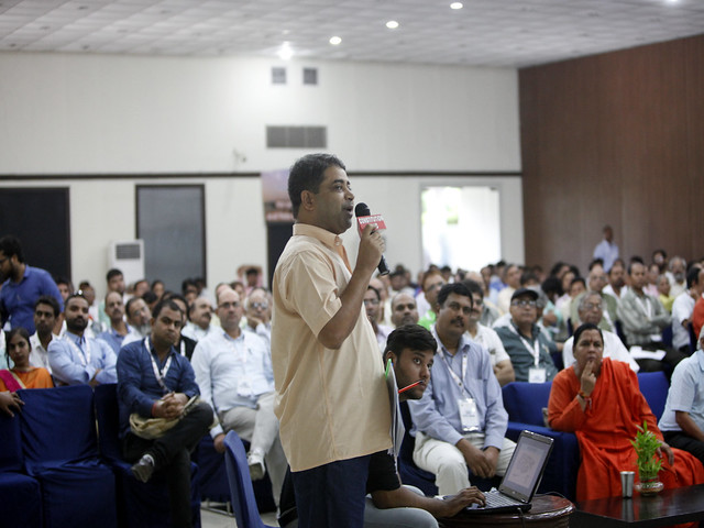 डायलॉग आन रीवर इंटर-लिंकिंग कार्यक्रम में बोलते केसर सिंह