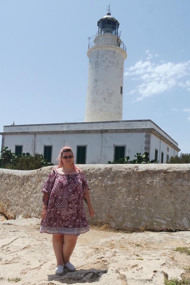 Outfit e viaggi Formentera, faro de La Mola (3)