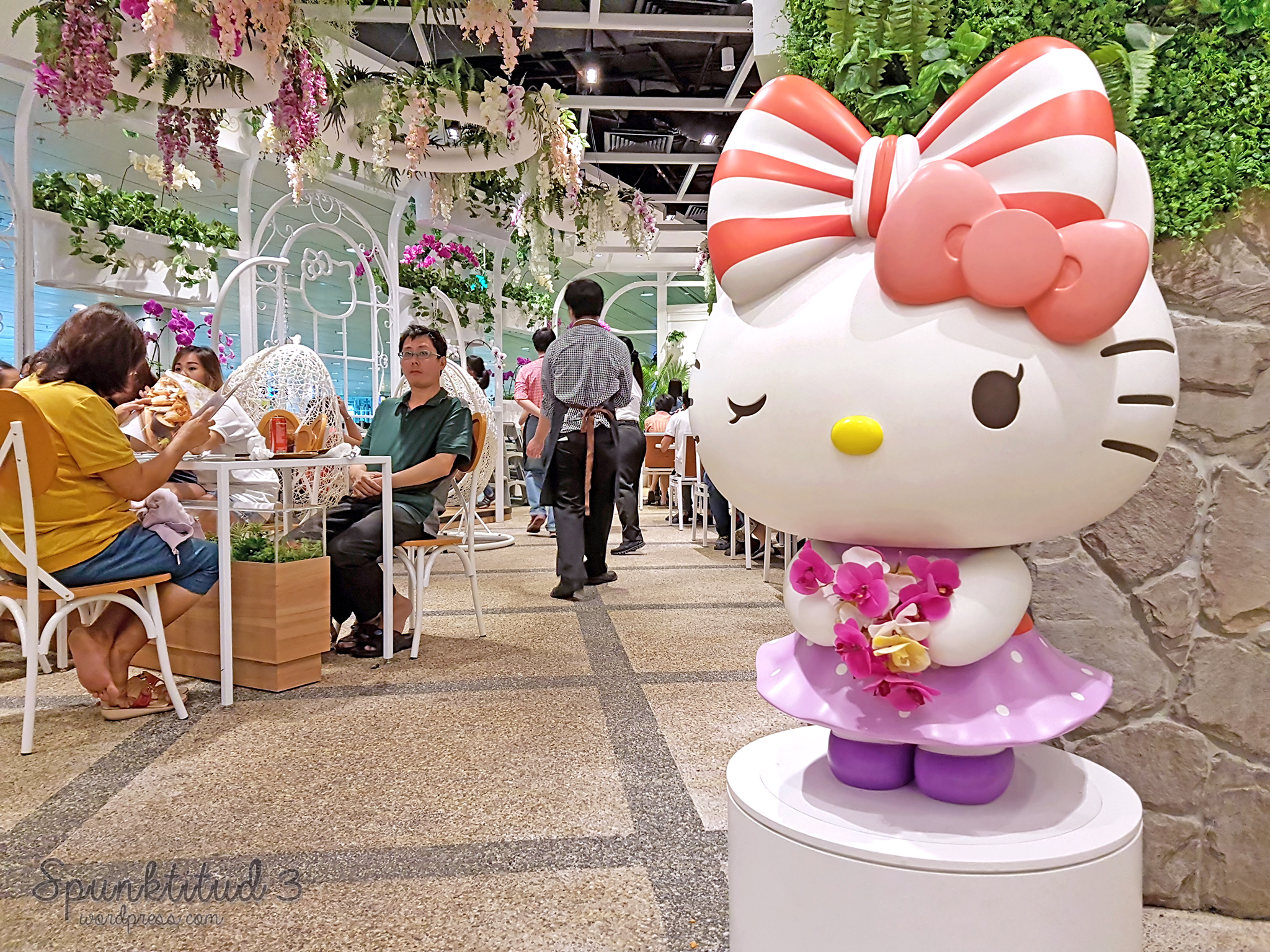 Hello Kitty Orchid Garden Café