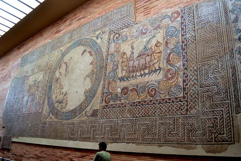 Mosaico de los aurigas.