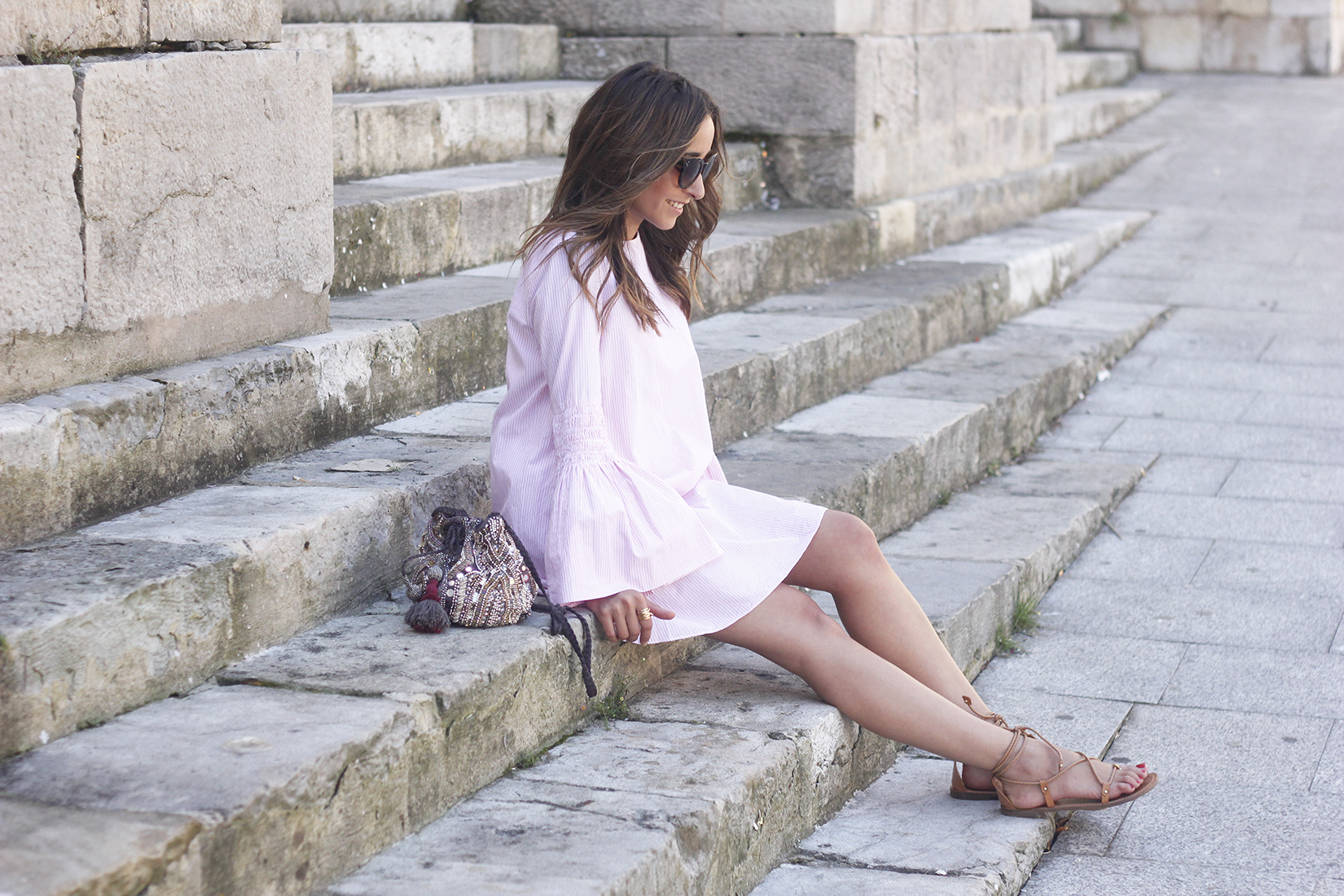 striped dress with bell sleeves summer outfit flat sandals sunnies08